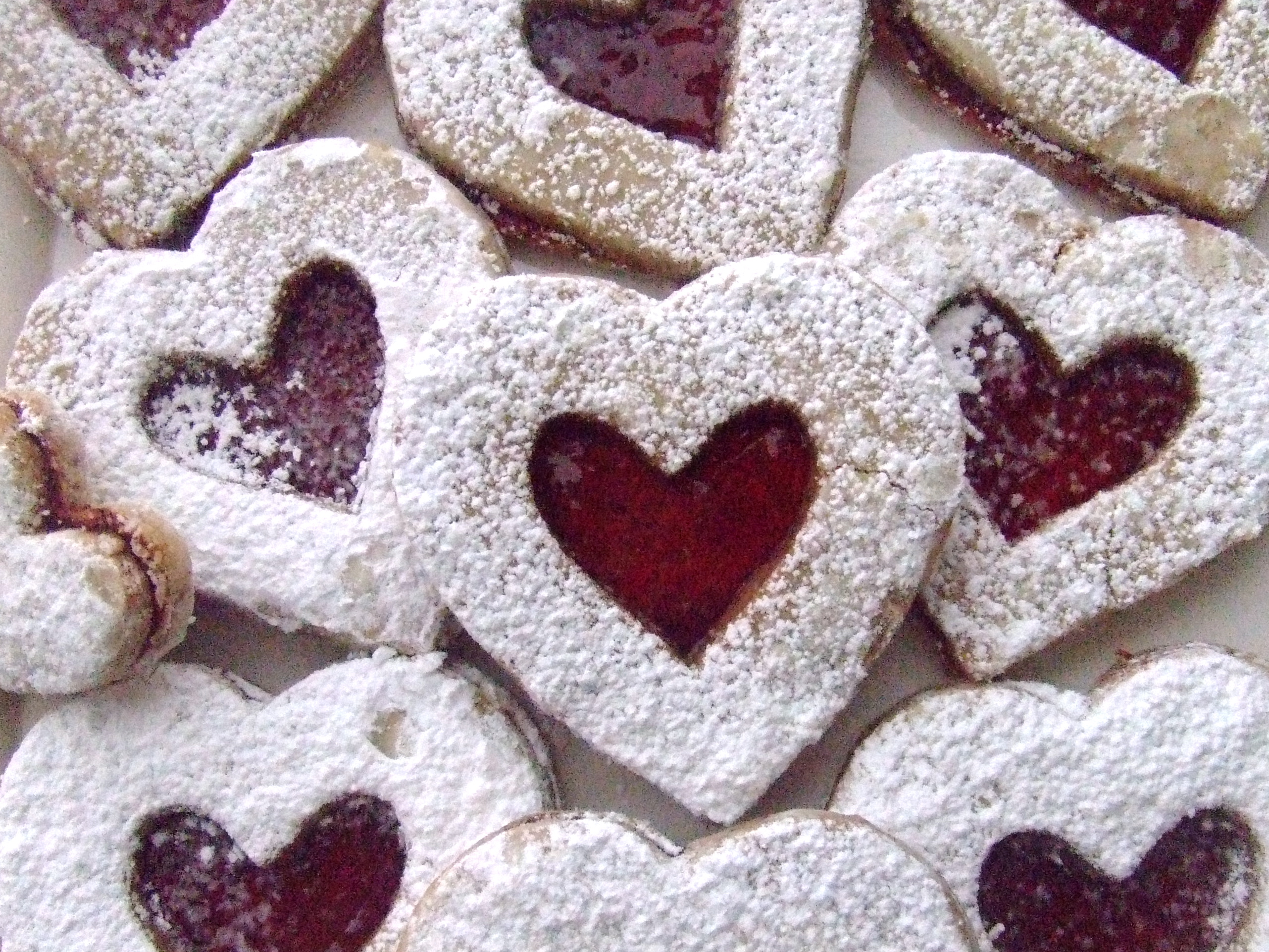sandwich cookies linzer muffins my happy dish linzer heart cookies ...